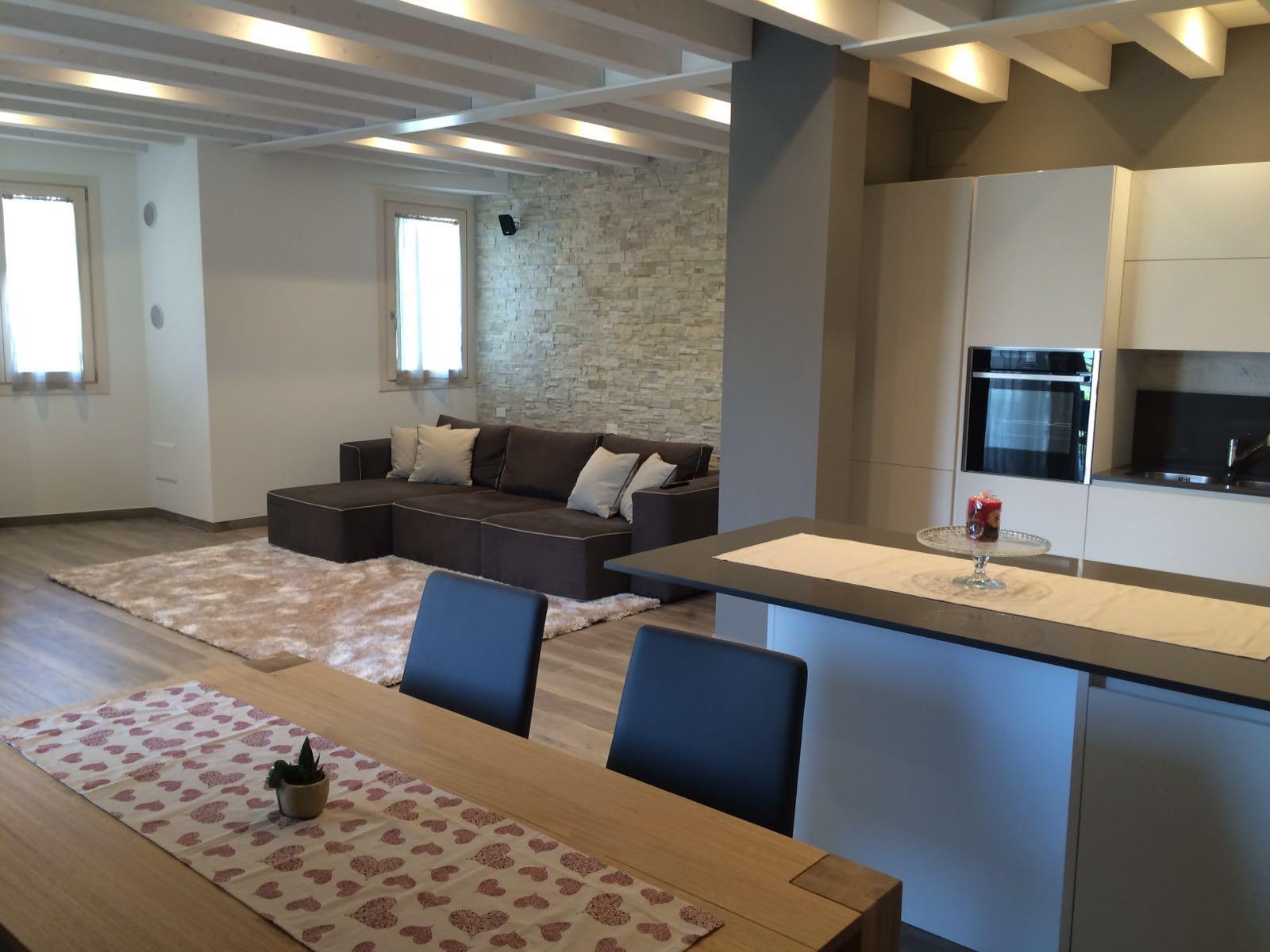 Living room kitchen treviso astro arredamenti for Ad arredamenti treviso